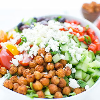 Mediterranean Salad With Spicy Roasted Chickpeas