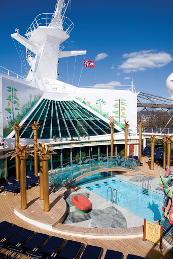 Independence-of-the-Seas-Solarium - The serene, adults-only Solarium is one of three pool areas on Independence of the Seas.