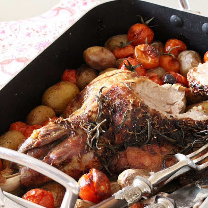 Oven-baked Leg of Lamb with Cherry Tomatoes and Fennel Chutney