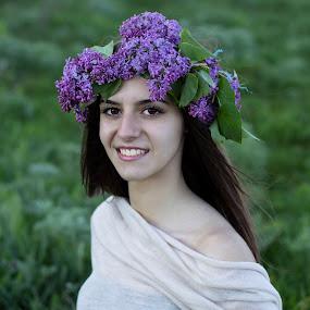 Smiling girl by La Prairie - People Portraits of Women