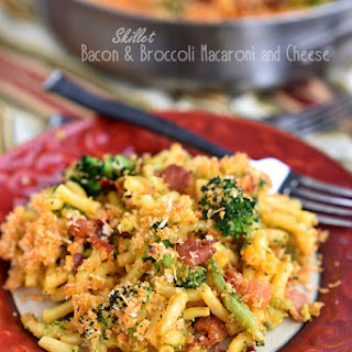 Skillet Bacon and Broccoli Macaroni and Cheese
