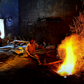 gong maker by Arif Setiawan - People Professional People